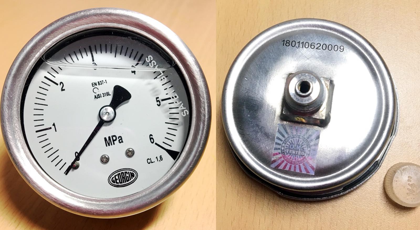 đồng hồ áp suất chân sau