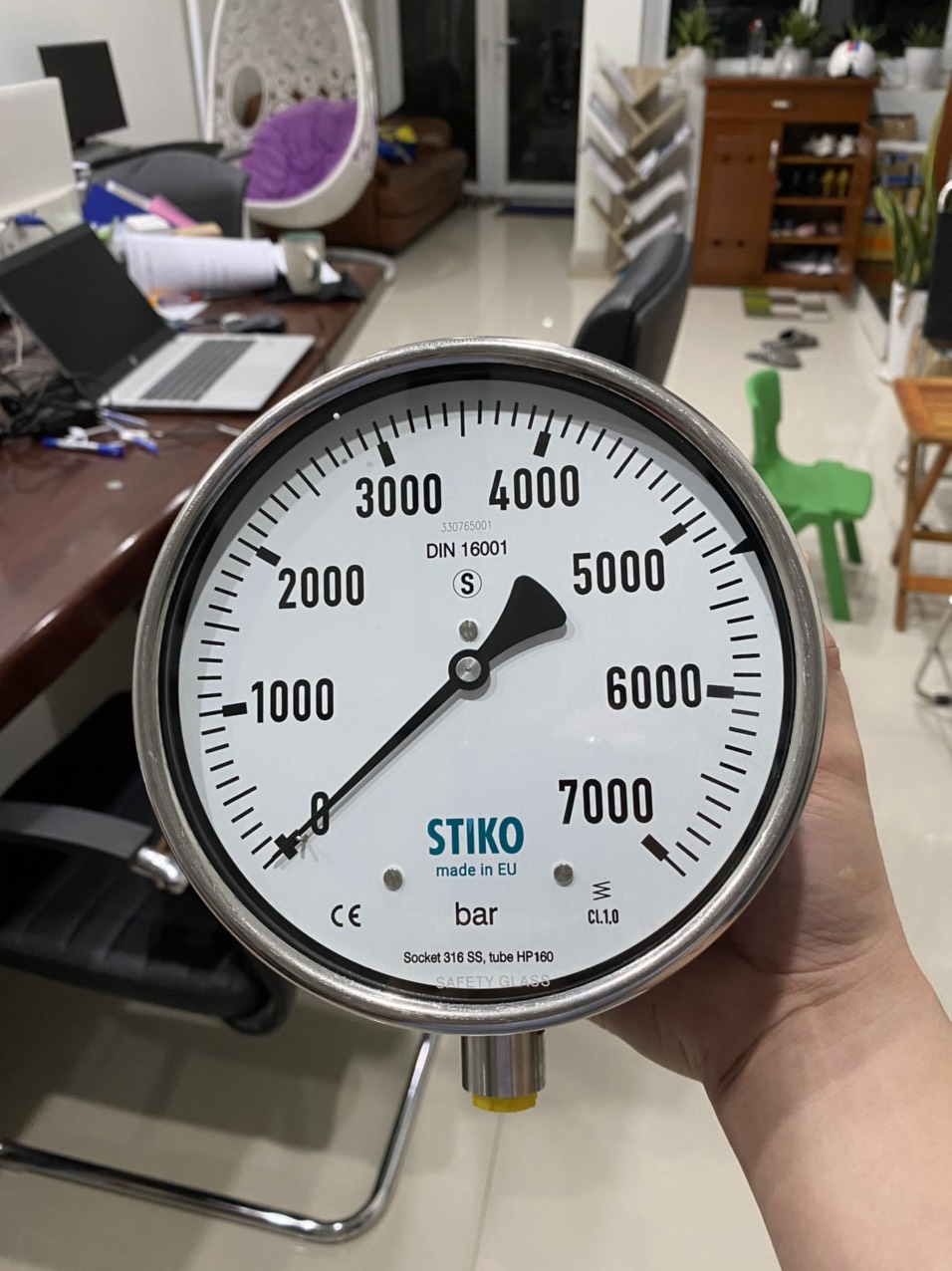 đồng hồ áp suất 7000 bar